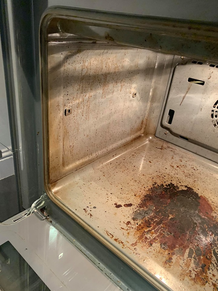 Single_oven_clean_before 5